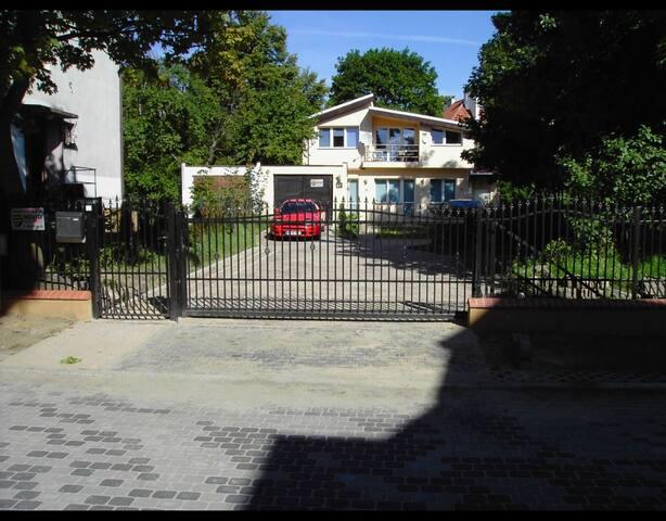 House with garden in Sopot - Sopot - Huis