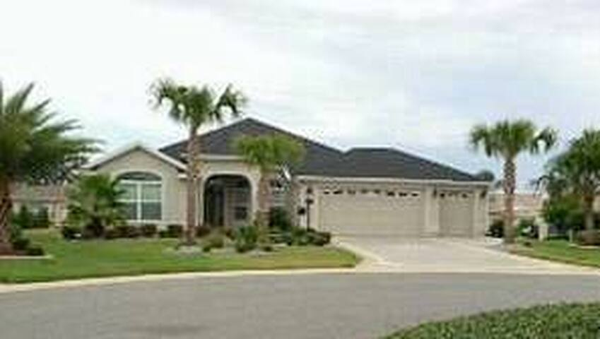 Designer Home in The Villages - The Villages - House