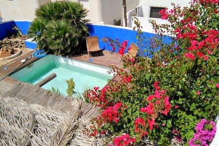 Studio-piscina a3km playas San Jose - Casa