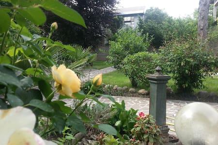 Relais Villa Ornella room Tulipano - Turbigo