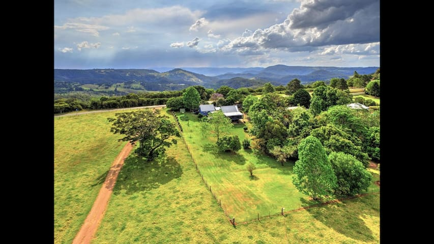 Country Cottage Retreat only 5 mins from Maleny