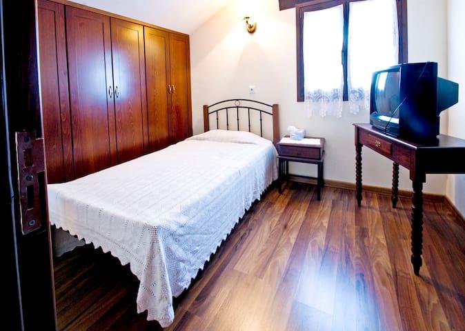 bedroom 3 on first floor