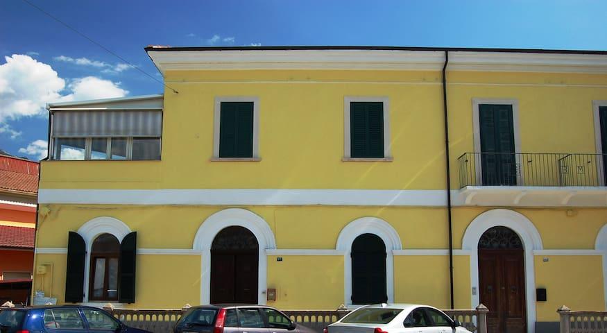 Appartamento fronte stazione FS