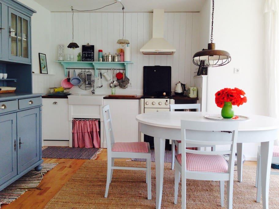 Cottage Küche und Essbereich