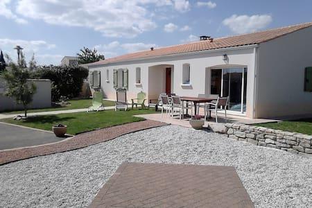 Maison à 30 min de La Rochelle - Puyravault - Rumah