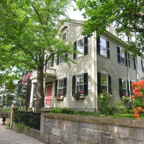 Delano Homestead Bed & Breakfast - Fairhaven - Bed & Breakfast