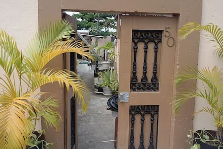 Courtyard cottage room 4 - Christiansted
