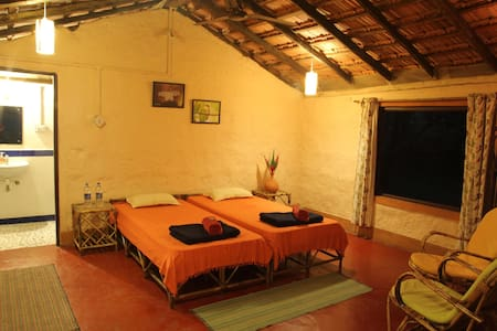 Accommodation on Twin Sharing Basis - South Goa - Bed & Breakfast