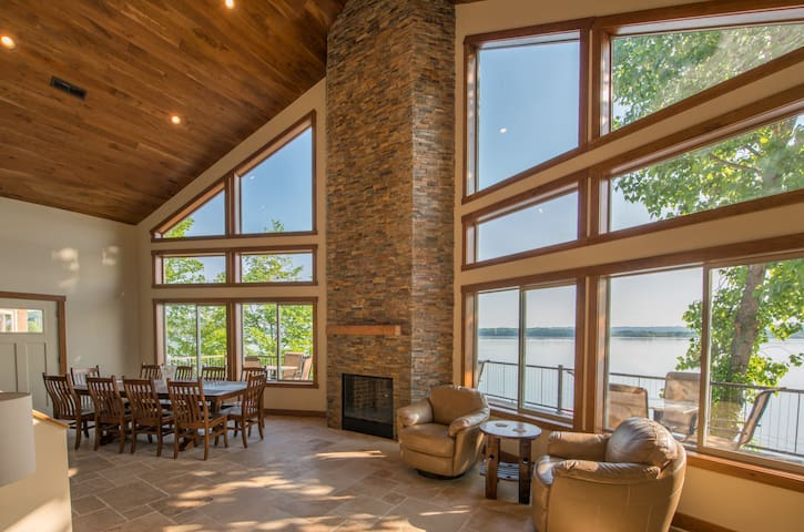 7 Bedroom Lake-Front Villa near Great Smoky Mtn #1