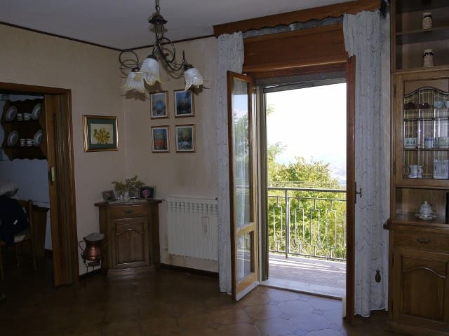 Nice apartment with fire place - Pietrabbondante - Apartamento