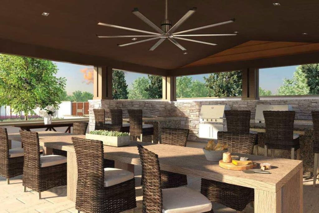 BBQ area in clubhouse (available in May 2017)