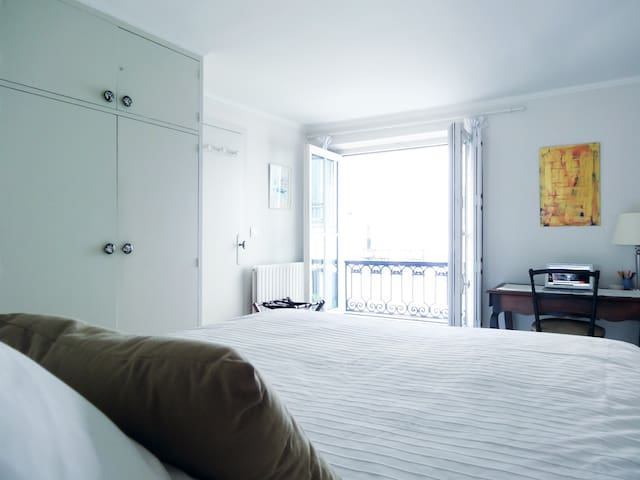 Chaponnerie, 2 BD / 1 BR, Up to 6 people - Paris - Rumah
