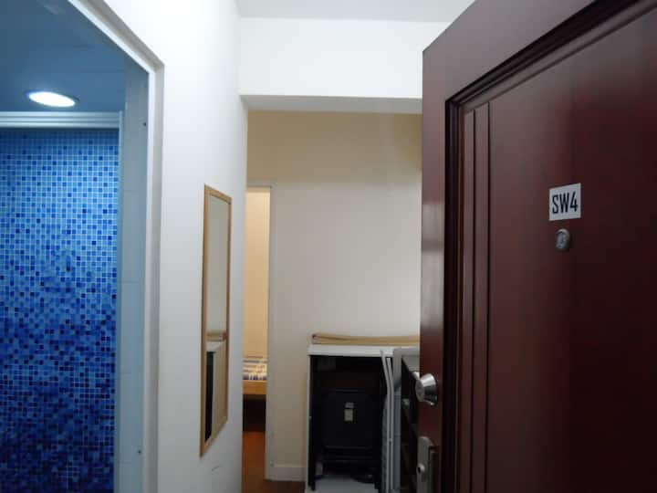 Sheung Wan Comfortable Room 4/walkup (SW4b)