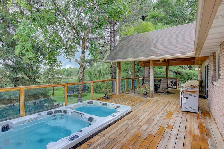 Waterfront Cottage, Hot Tub, Incredible Wildlife