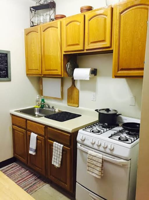 1 bedroom entire home apt astoria apartments for rent in for Aki kitchen cabinets astoria ny