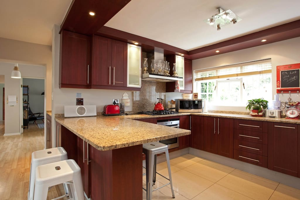 Kitchen with all the amenities you need to cook up a storm.
