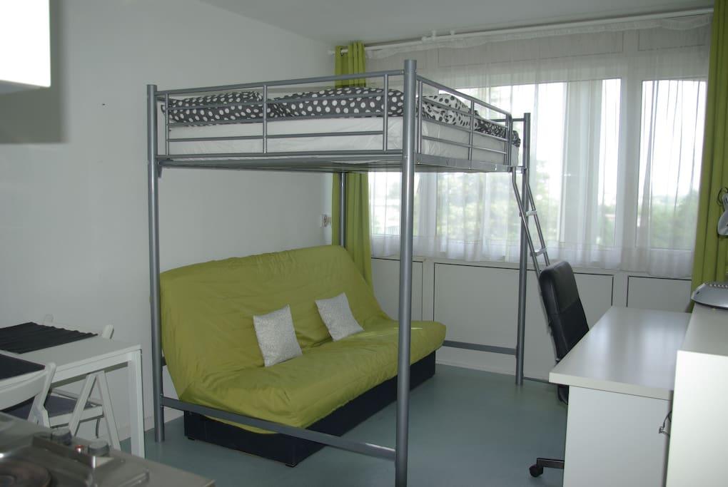 studio 20 m2 m morial caen apartamentos en alquiler en caen basse normandie francia. Black Bedroom Furniture Sets. Home Design Ideas