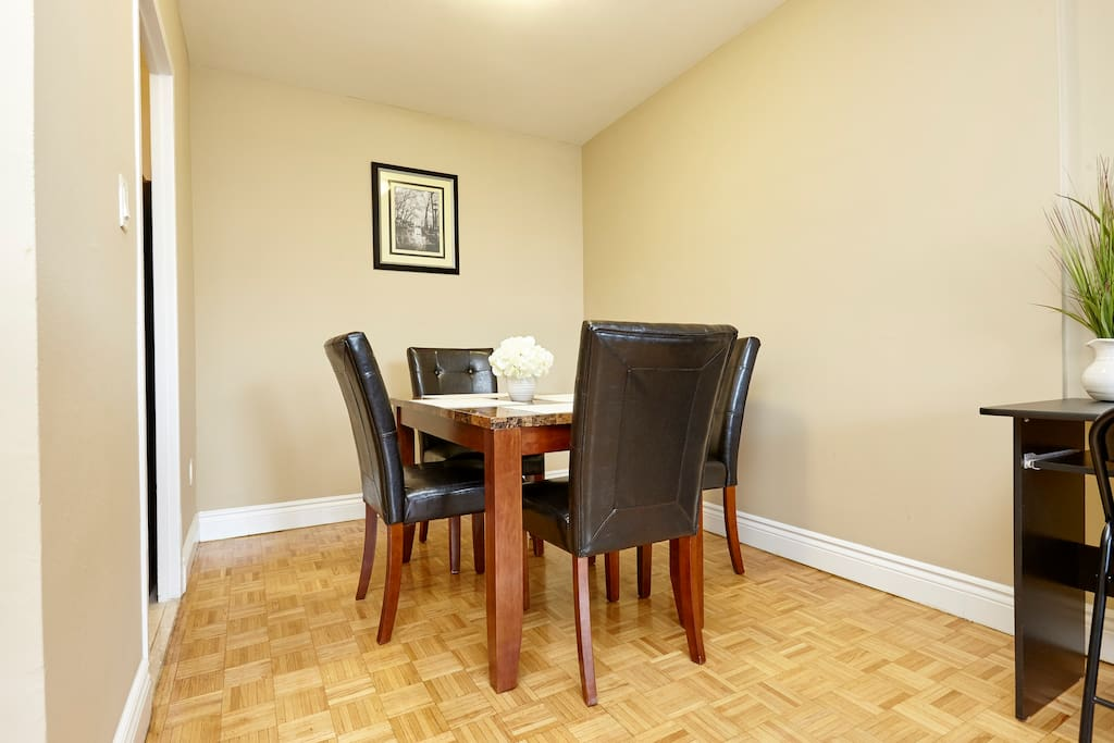 2 Bed 1 Bath Suite At YONGE EGLINTON 01119 Apartments For Rent In T