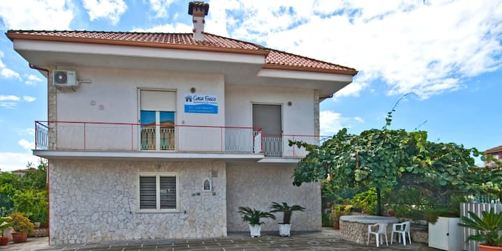 Mela, holiday home in Scauri