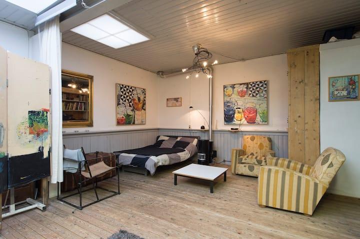 studio / apartment  central location