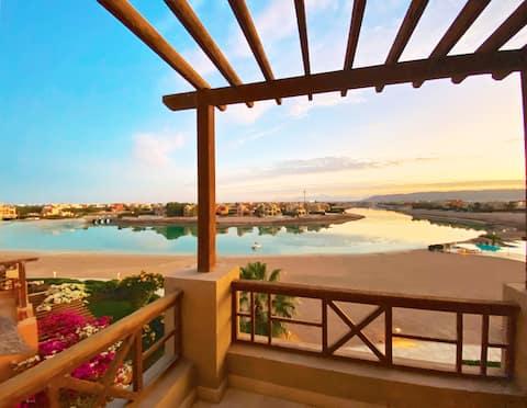 Apartamento elegante de 1 dormitorio con piscina y laguna en Sabina-Gouna