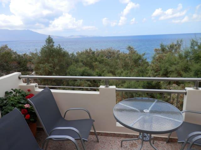 Studio 30 meter from seaside, at west Crete