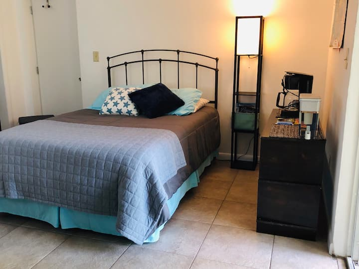 Private Unit- Near downtown, FLL, port & beach