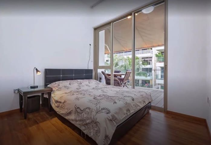 Common Dbl Rm, 5BR Penthouse - Haw Par Villa MRT!
