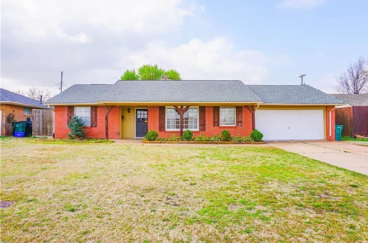 Modern home in NW OKC area!