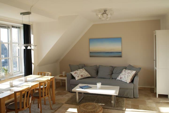 """Ferienwohnung""""kleiner Meeresblick"""" Niendorf Ostsee - Timmendorfer Strand"""