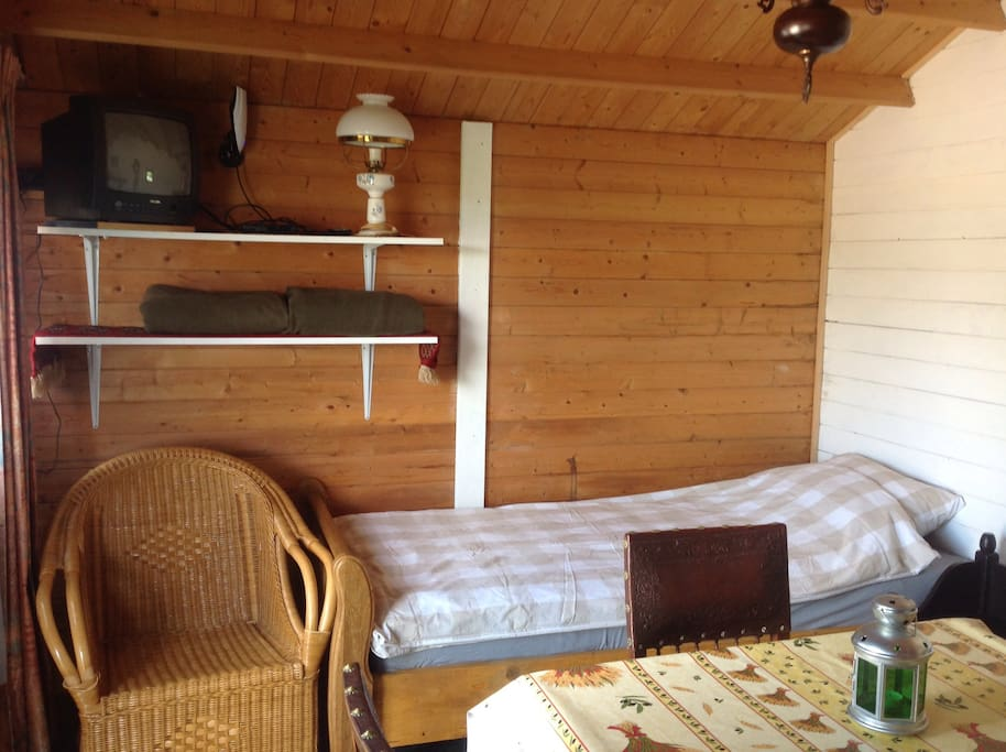 mooi huisje te huur tiny houses for rent in franchesse. Black Bedroom Furniture Sets. Home Design Ideas