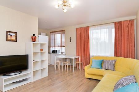 Светлая уютная квартира в центре - Yekaterinburg