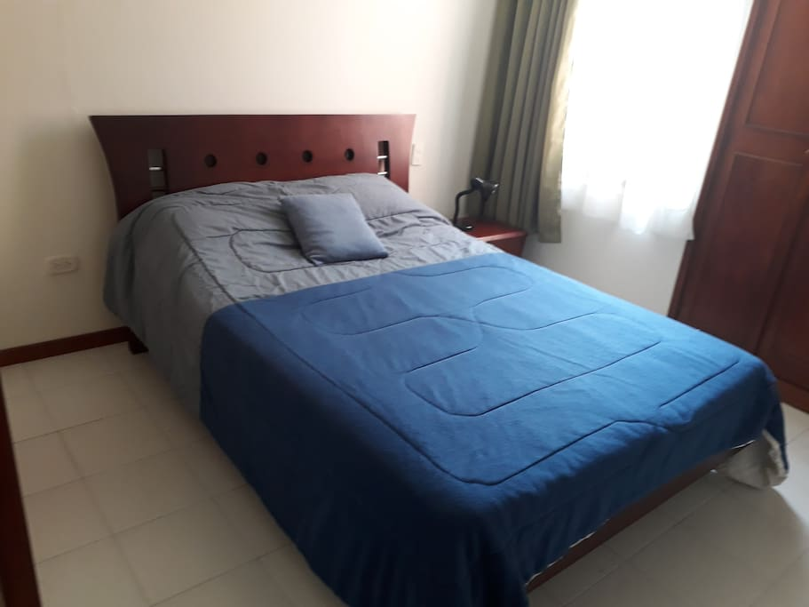 cama habitación principal