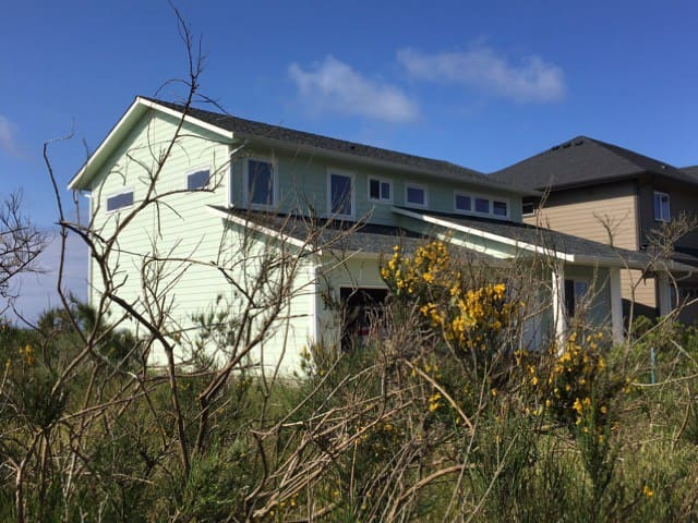 Beachside Getaway. - Ocean Shores