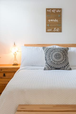 Zen Hideaway-We sanitize & bleach all linens!