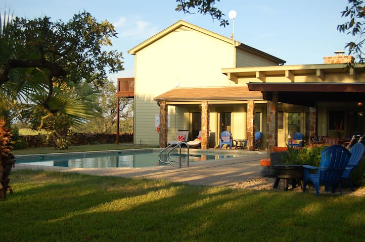 Serenity Farm, 3900 sq. ft, Heated Pool & Org Bk.