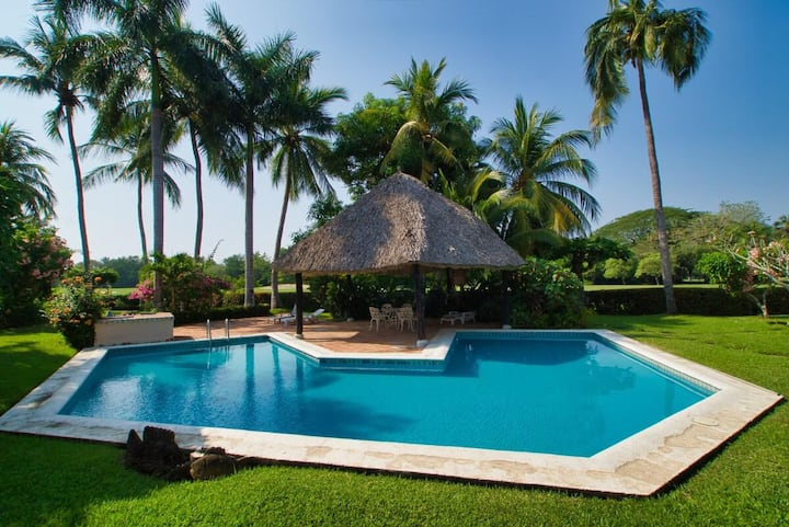 Alondras - 2 Bedroom Golf Course Villa minutes from the clubhouse