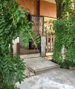 la vita è bella in villa alberata zona tranquilla - Vigevano - Гестхаус