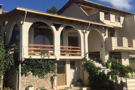 2 bed Rm, living Rm, kitchen&store - Townhouse