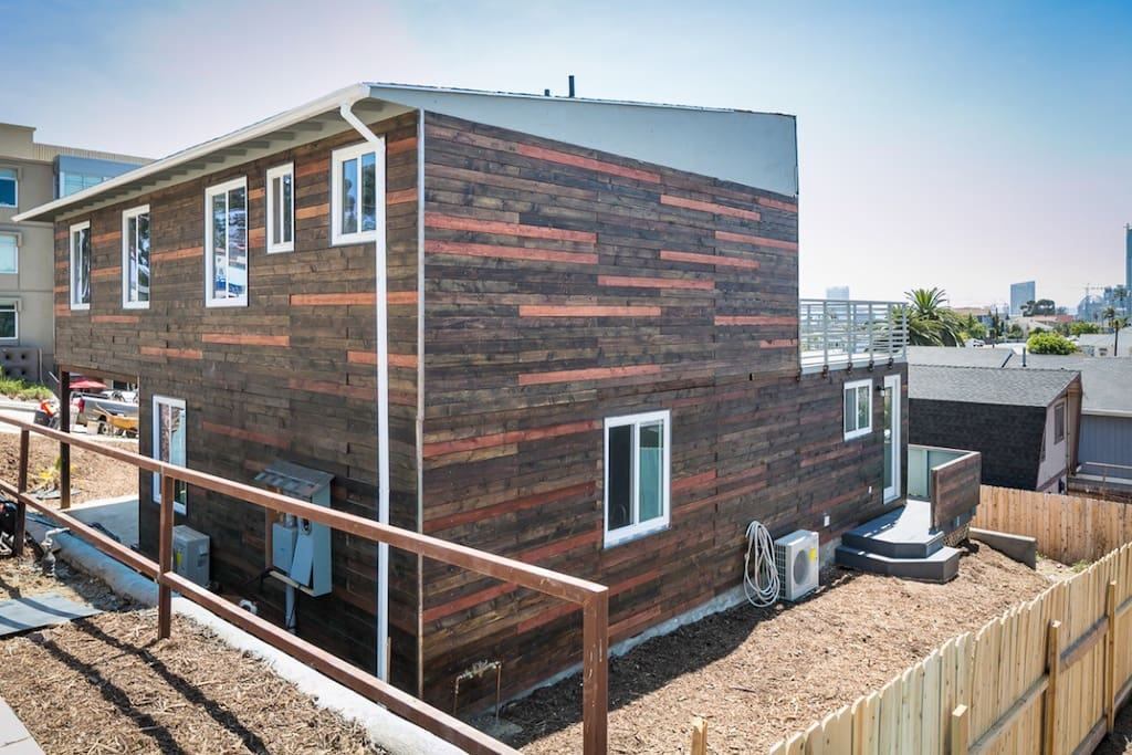 Island guest suite in shipping container home apartments - Container homes san diego ...