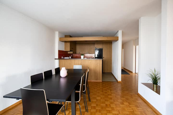 *FAMILY PRICES* / *19 MINUTES FROM ZURICH* / 15MINUTES FROM AIRPORT / COSY SWISSNESS APARTMENT / APT 3