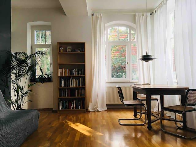 Beautiful, quiet apartment 10 min walk to center