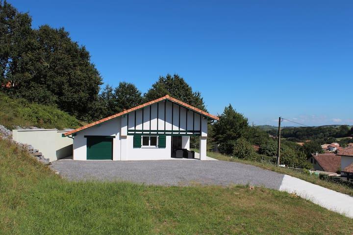 Maison basque TXANTXANGORRI 8pers proche Biarritz