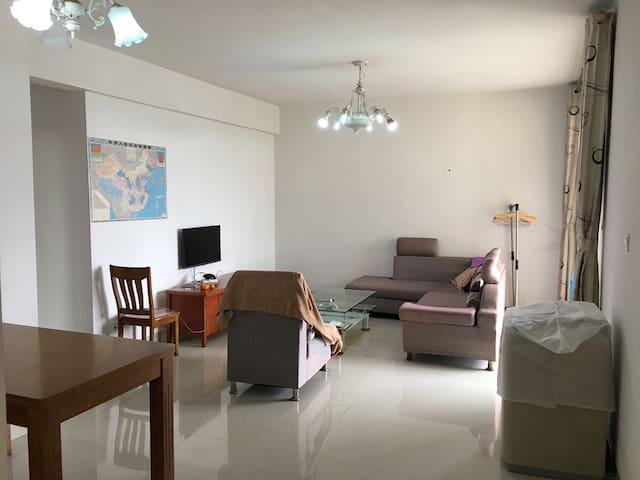 房屋结构合理,每个房间都有窗,小区环境优雅、安静。 - 北海市 - Condominium