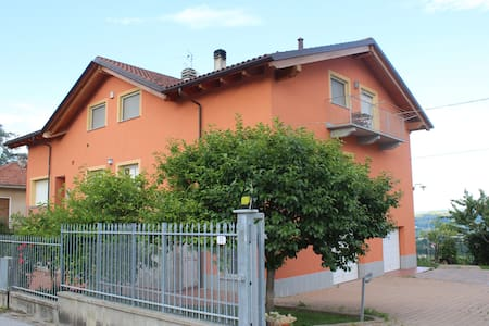 AlbaInLanghe b&b in countryhouse #2 - Verduno - Bed & Breakfast
