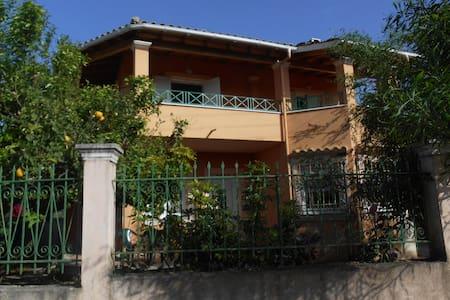 Maisonette 130 sq.m. - Corfu - Casa