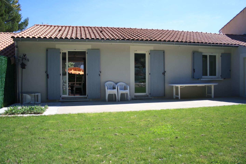 Charmante petite maison de plein pied - Maisons à louer à Meysse ...