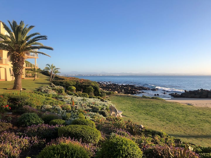 St Francis Bay, private beach, book for Dec 2021