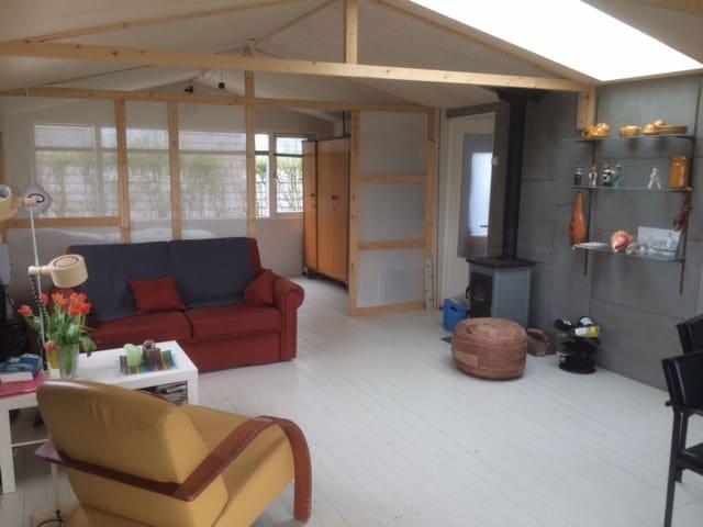 zonnig huisje aan duingebied Egmond - Egmond-Binnen - Blockhütte