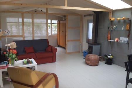 zonnig huisje aan duingebied Egmond - Egmond-Binnen